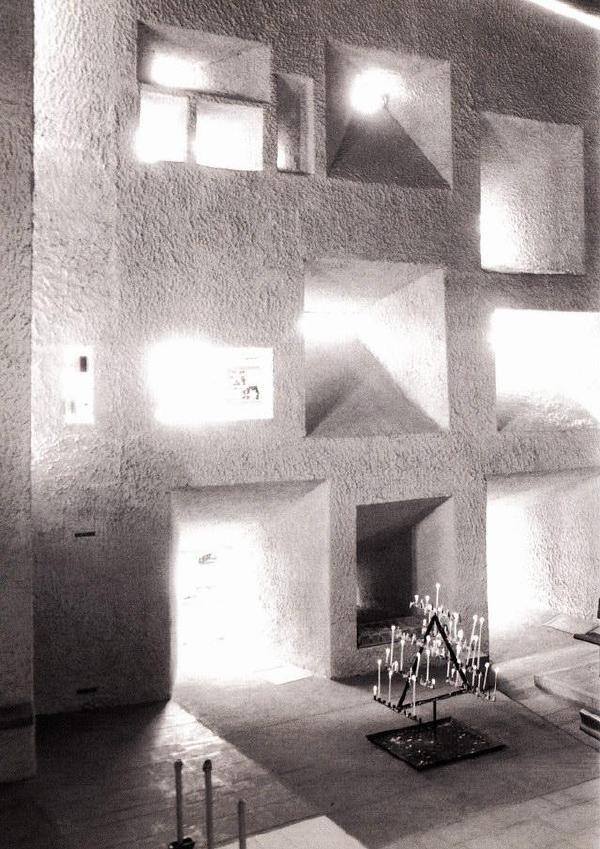 黑白映记——朗香教堂