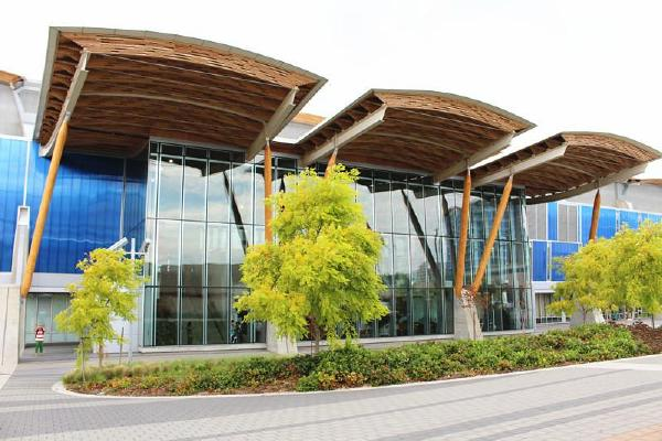 屋顶结构工程设计:fast+epp结构工程咨询公司