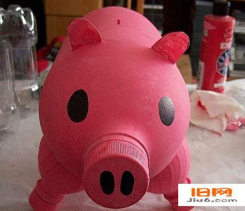 可乐瓶,矿泉水瓶手工小制作-实用的猪猪储蓄罐