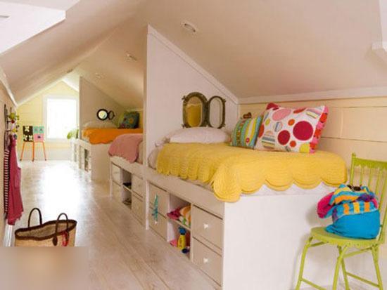 这个小床的设计就像一个小房子