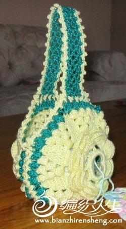 一款创意花朵线团包包的详细编织方法