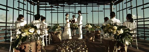 这一切最完美的巴厘岛婚礼会场将给你们提供最让人难忘的以及令人惊奇