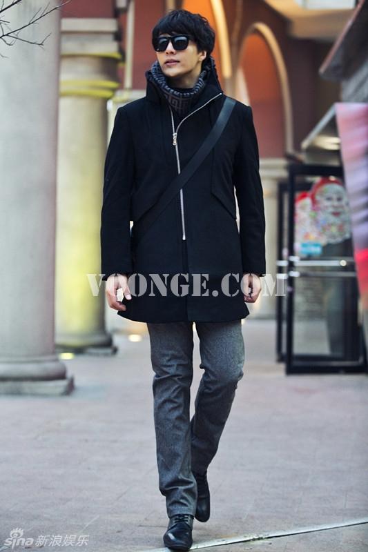 明星街拍:杨金承的秋冬男士大衣搭配