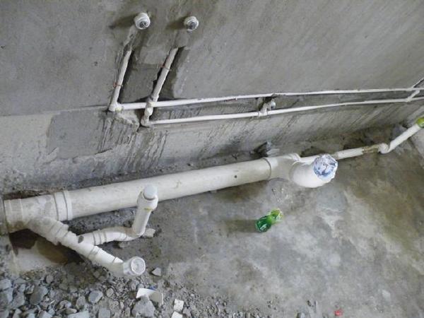 《亿房装修1000问》 排水细节工艺共分享 横平竖直就是合理的布管方式