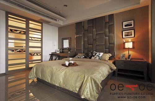 主卧室二:主卧室床头造型以丝绒软包搭配不锈钢