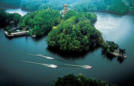 南湖风景区属于国家aaa级旅游区,位于古城汉中西南16公里的汉山