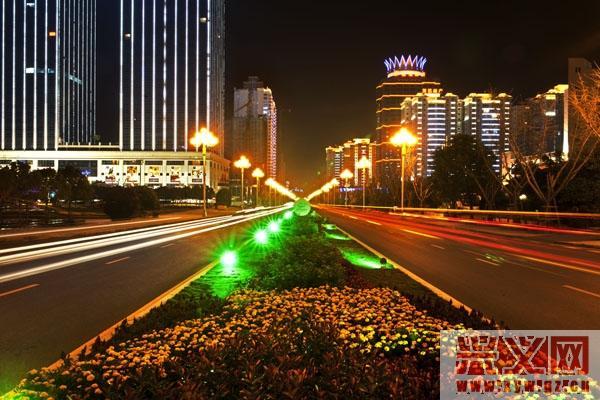 贵州省黔西南州兴义市: 迷人的夜色