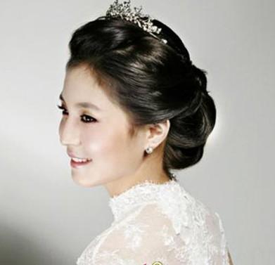 童话梦幻般的韩式新娘发型