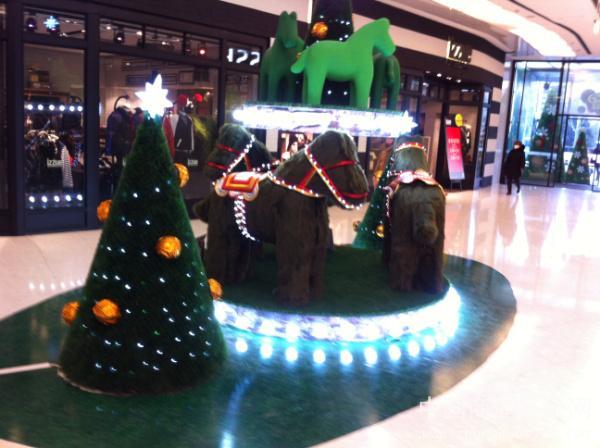 北京来福士圣诞节室内美陈设计