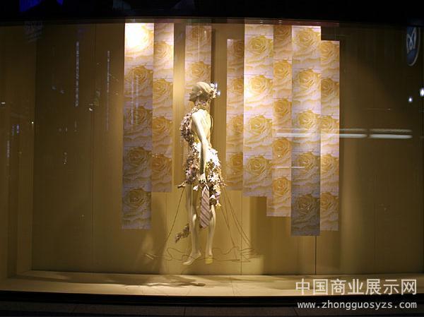 2013年女装店橱窗设计